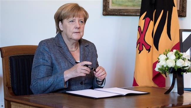 Refugee Crisis: Chancellor Merkel domestic popularity has further declined