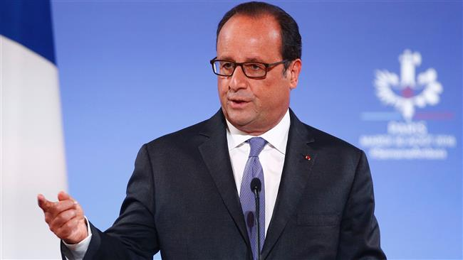 French President Francois Hollande calls for an end to EU sanctions against Russia