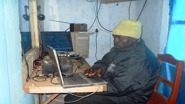 3 billion FCFA for the setting up of 15 new community radio stations in Cameroon