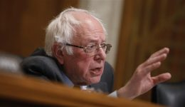 US: Sanders calls Trump 'pathological liar' and 'terrible example'