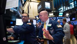 US stocks sink as Trump impeachment calls grow louder