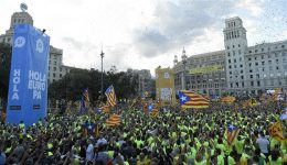 Hundreds of thousands rally for Catalan's independence from Spain
