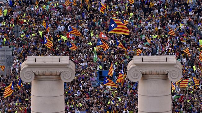 Spain: Catalonia hit by massive general strike