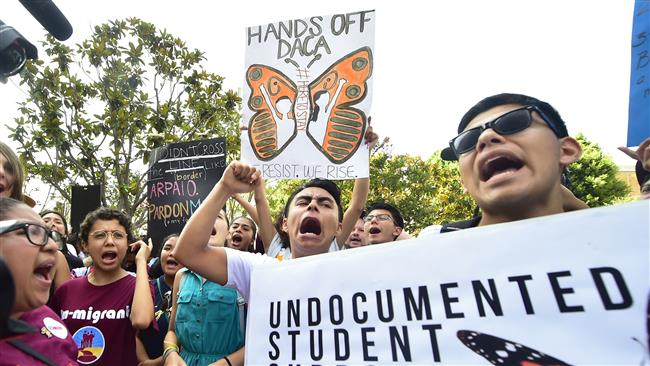 US: Trump holds the fate of 800,000 young immigrants in his hands