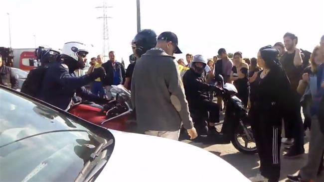 Students block Barcelona motorways to protest Catalan arrests