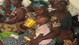 Nigeria aids refugees fleeing from Southern Cameroons