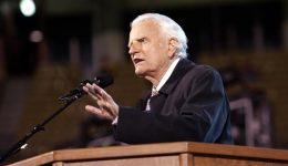 Influential US evangelical preacher Billy Graham dies at 99