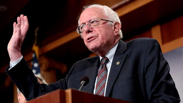 US: Bernie Sanders blasts White House for not apologizing over McCain death joke
