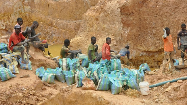The shady and dangerous business of Chinese mining in Biya's Cameroon