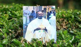 Southern Cameroons War: Kenyan priest 'was shot dead as he preached'