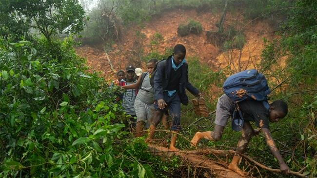 More than 100 dead after cyclone hits Mozambique, Zimbabwe