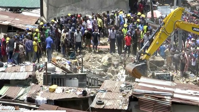 Building collapse in Nigeria kills at least 10; scores remain trapped