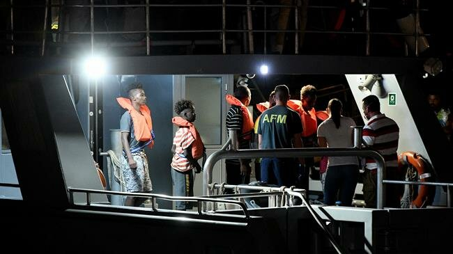 150 refugees feared drowned in shipwreck off Libya