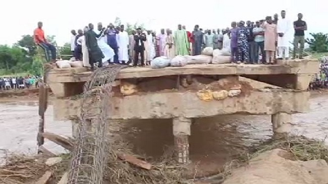 Bridge linking Nigeria to Cameroon destroyed by floods