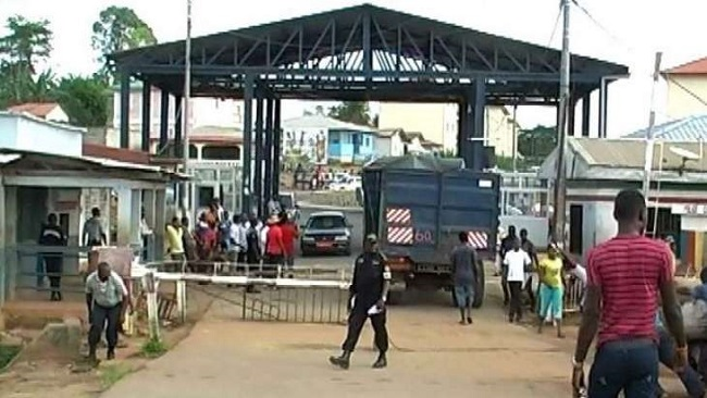 Border between French Cameroun and Equatorial Guinea remains closed