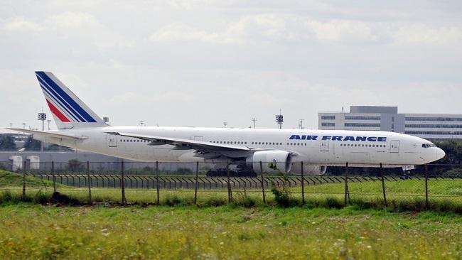 Heartless Macron pressures Biya to order resumption of Air-France commercial flights