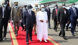 Mali: West African leaders plan extraordinary talks on Monday to end crisis