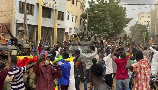 Mali: Mutinying soldiers say they have detained President Keita, Prime Minister Cisse