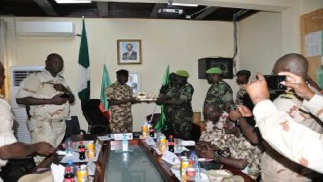 Boko Haram: Multinational Force Commander visits military region in Cameroon