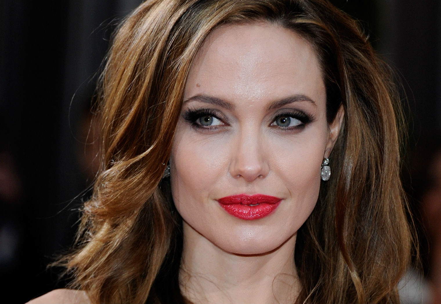 Angelina Jolie says humanitarian system for refugees is breaking down