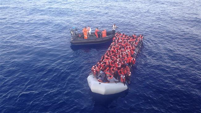 Italy rescues 1300 refugees at sea in a single day