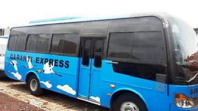 Garanti Express VIP bus crashes into a ravine, killing one