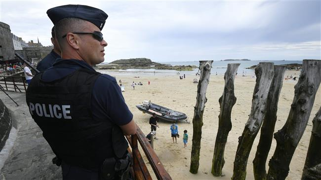 France expels 2 Moroccans over security threats