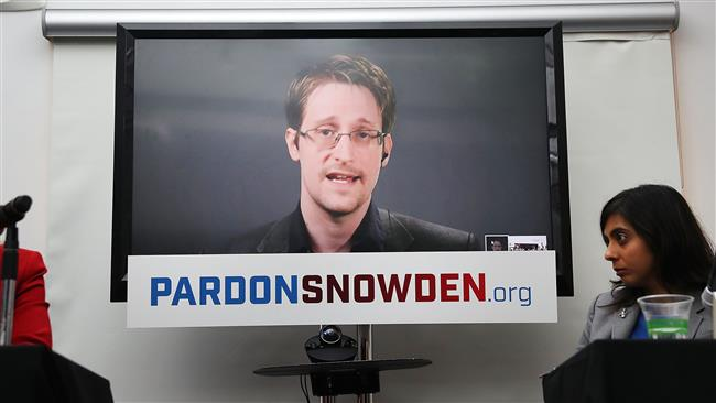 US Whistle-blower Snowden awarded for courage and conscience
