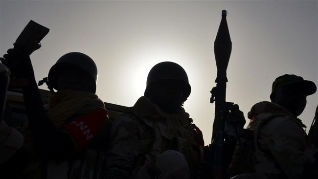 Nigerian government troops have surrounded a group of Shia Muslims gathered in a mosque