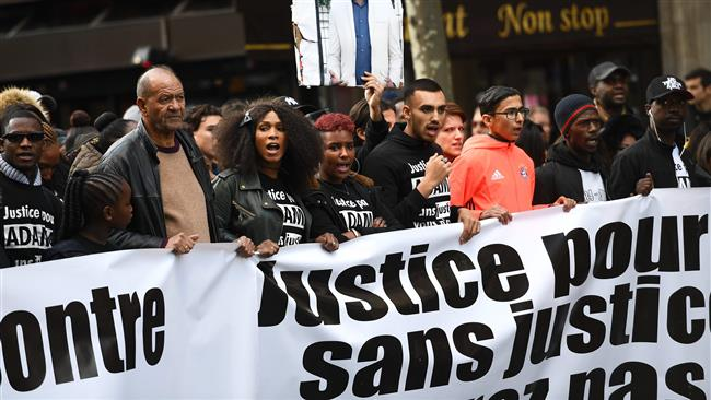 Massive rally against the killing of a black man by French police