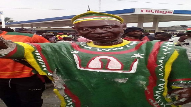 Mysterious J.N.Foncha statue stirs tensions in Douala