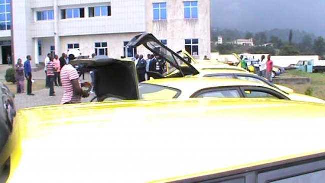 Buea Mayor declares war against the Consortium, buys dozens of new taxis to counter ghost town