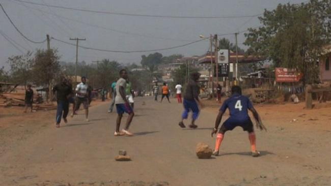Ghost Town: Ntarikon Youths organize football match on a major road in Bamenda