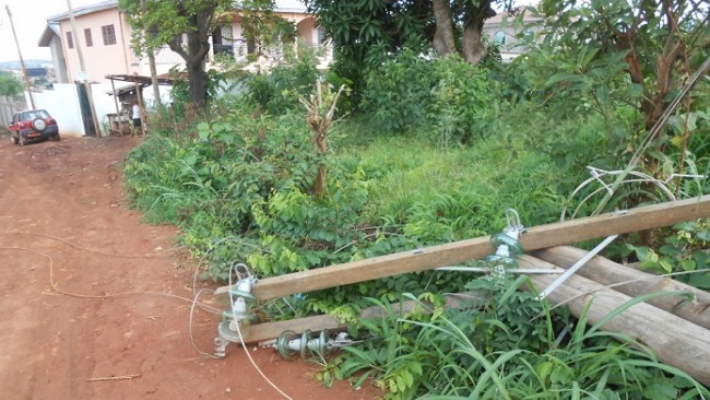 La Republique: Power outage in Yaounde caused by pole collapse