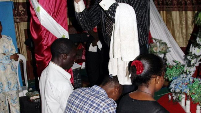 Yaounde CPDM Man hangs himself after wife dumps him for his Pastor