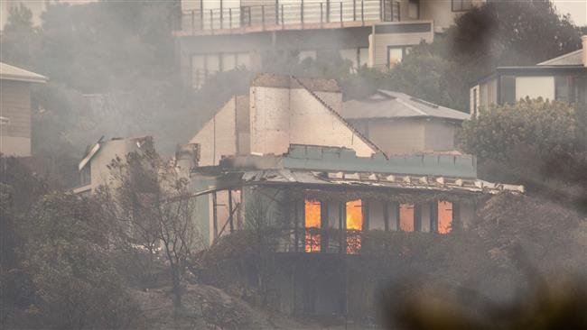 South Africa: 4 killed, 10,000 evacuated as fire rages on