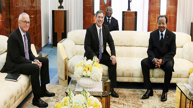 Biya meets the CEO of General Electric Company