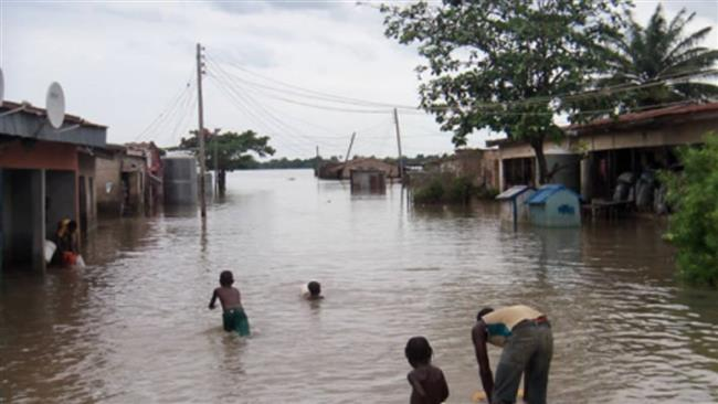 Nigeria: One dead as heavy flooding displaces thousands
