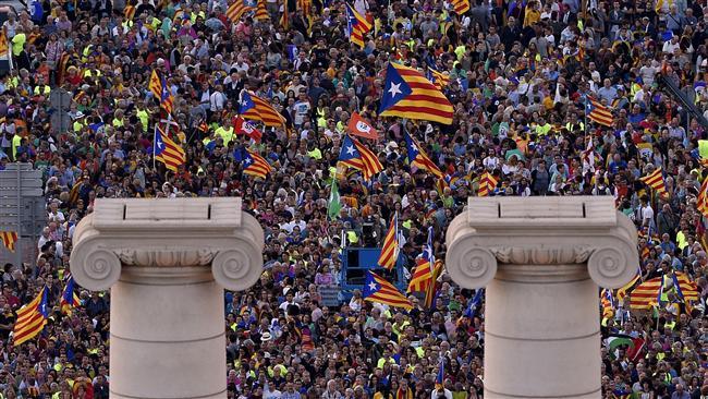 Spain: Catalonia hit by massive general strike