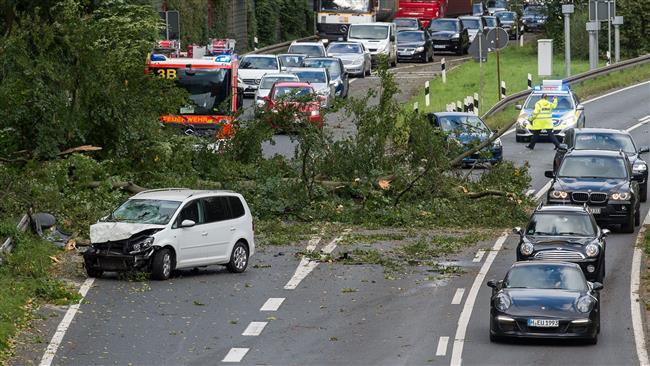 Germany: Storm kills 7, causes chaos
