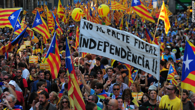Spain: Thousands rally in Barcelona to mark jailing of two Catalan separatist leaders