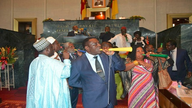 "Anglophone MPs: ""Go back home"""