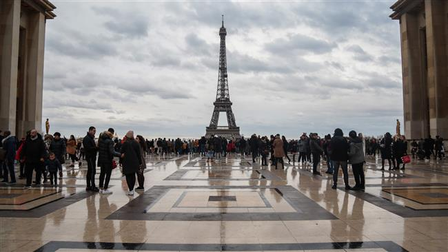 8 in 10 French people believe in conspiracy theories