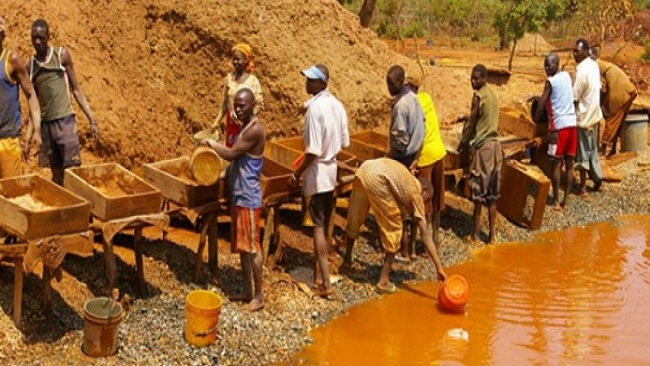 9 killed in Cameroonian gold mine collapse