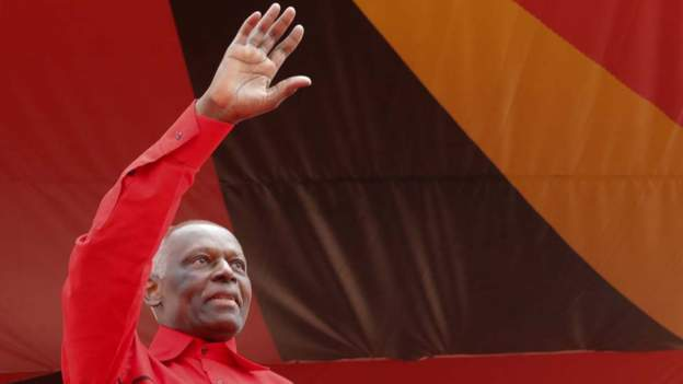 Angola's dos Santos: My party should choose a new leader