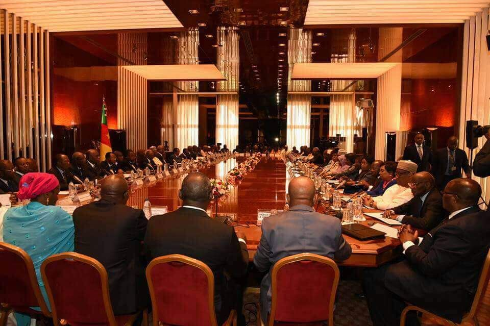 French Cameroun holds first cabinet meeting since 2015