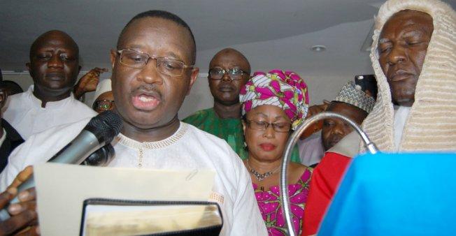 Opposition leader sworn in as Sierra Leone president