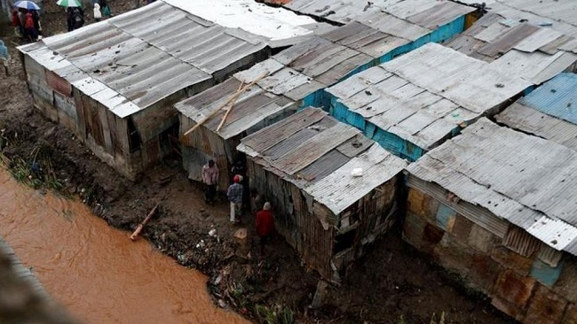 Parts of Kenya hit by deadly floods, about 200,000 displaced