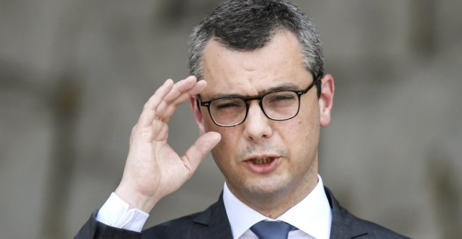 Corruption in France: Police search French finance ministry in Macron chief of staff probe