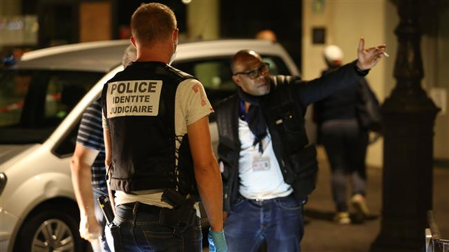 7 people wounded in knife attack in Paris, 'no early sign of terrorism'